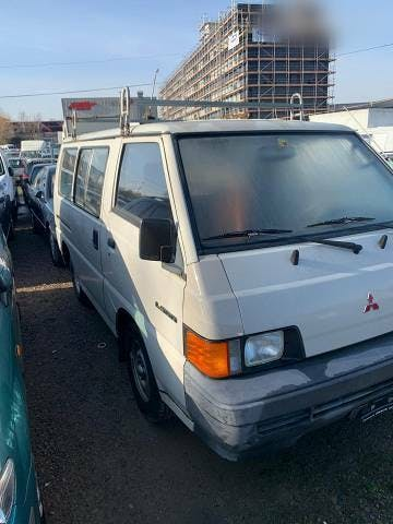 bus Mitsubishi L300 Benzin