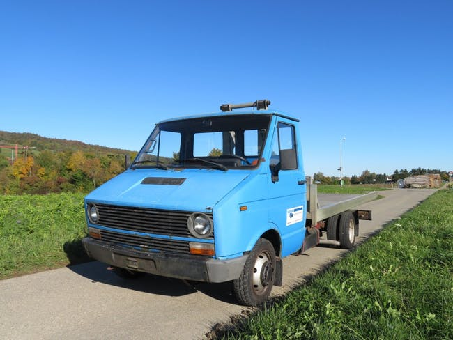 saloon Iveco Daily / Turbo Daily 35.10 Turbo Daily 2.4TD