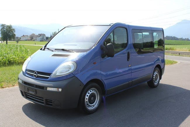 bus Opel Vivaro 2.5 CDTI 2.7t 9 Sitzer Automat