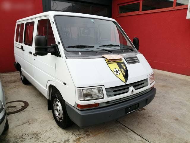 bus Renault Trafic traffic 2200 benzina 9 posti collaudata