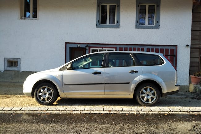 estate Ford Focus Kombi 1.6 16V TDCi DPF Carving