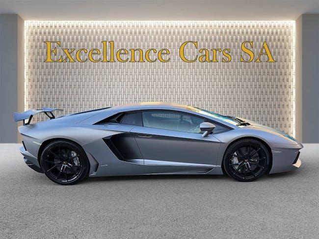 sportscar Lamborghini Aventador LP700-4 Coupé E-Gear