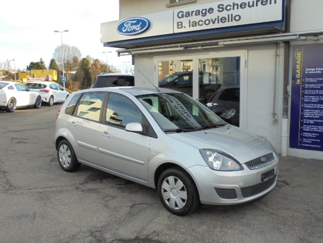 saloon Ford Fiesta 1.4 16V Trend