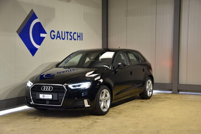 saloon Audi A3 35 TFSI Attraction S-tronic