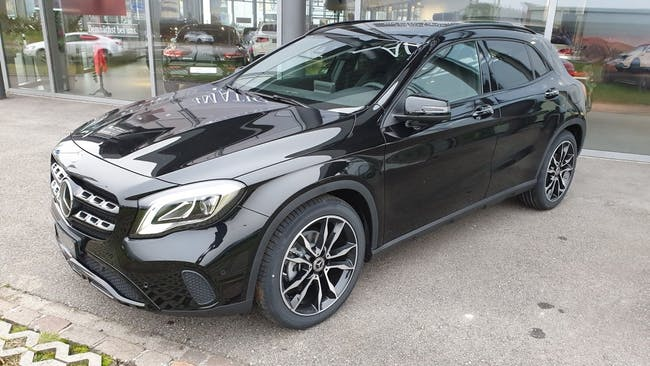 suv Mercedes-Benz GLA-Klasse GLA 200 Night Star 7G-DCT