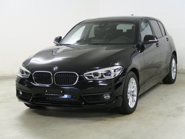 saloon BMW 1er 118d xDrive Essential Edition
