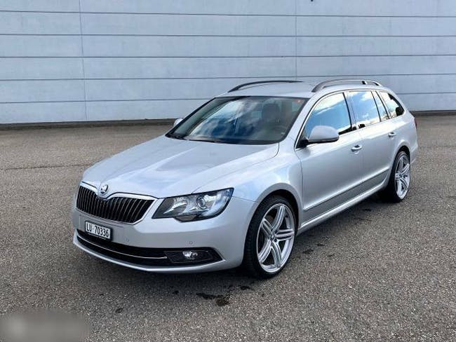 estate Skoda Superb Gut erhaltener Skoda Superb 2.0 TDI Gt