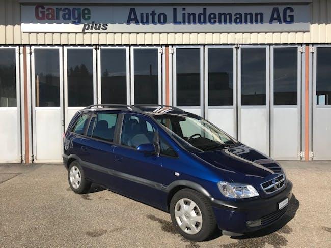 van Opel Zafira 2.2i 16V Elegance