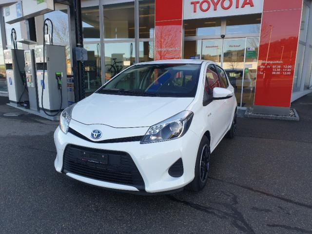saloon Toyota Yaris 1.5 Hybrid Luna