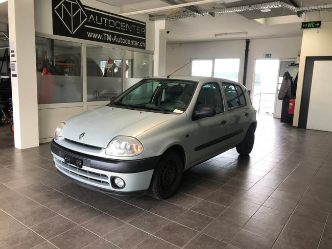 saloon Renault Clio 1.4-16 RT