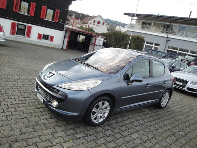 saloon Peugeot 207 1.6 16V Sport Pack