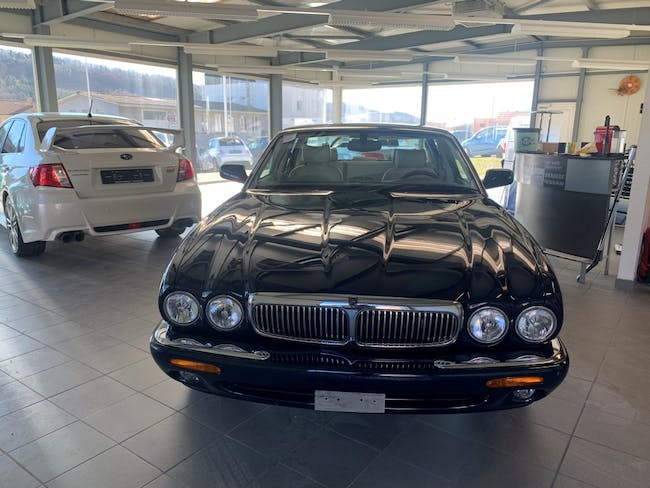 saloon Jaguar XJ 4.0 V8 Sovereign