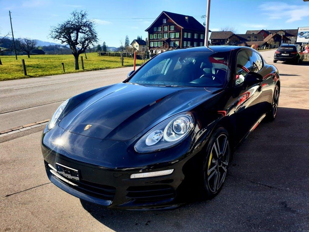 saloon Porsche Panamera 3.0 Diesel Tiptronic