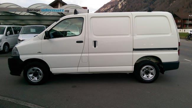 van Toyota Hiace D-4D Van 4WD SWB