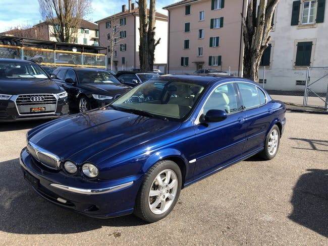 saloon Jaguar X-Type 2.5 V6 Traction4 Executive