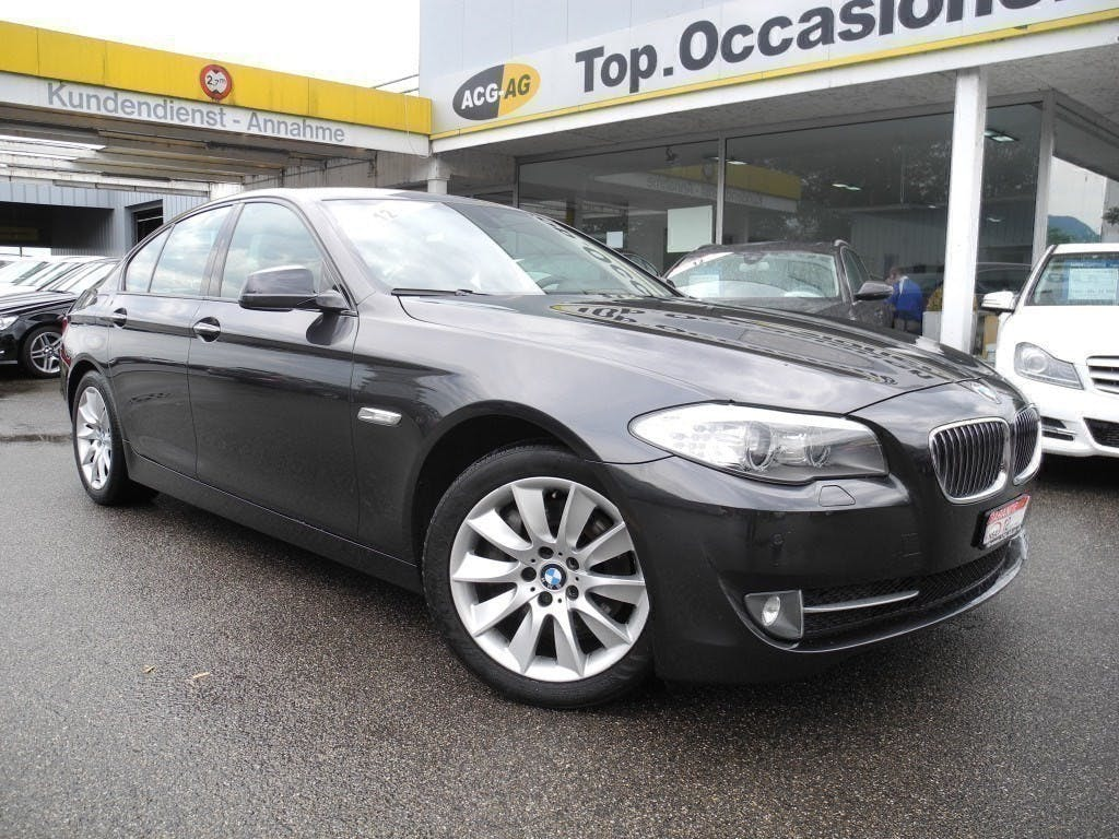 saloon BMW 5er 525d xDrive Steptronic