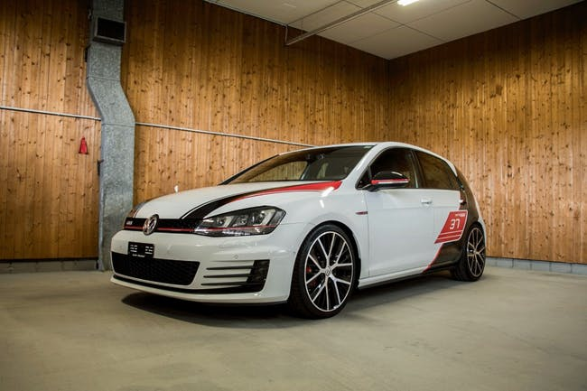 saloon VW Golf GTI Limited Performance DSG