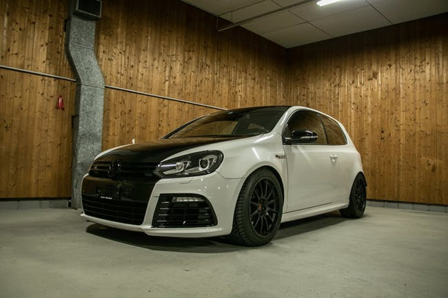 saloon VW Golf 2.0 TSI RC322 4Motion