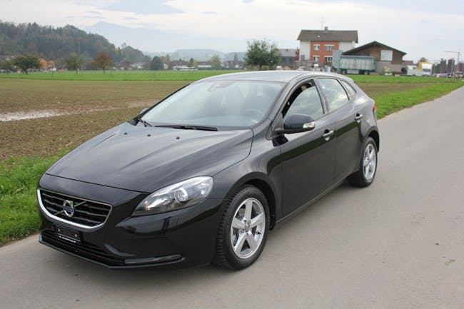 estate Volvo V40 D2 Black Edition