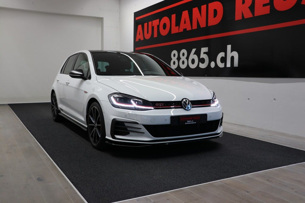 saloon VW Golf 2.0 TSI GTI 350PS O.CT DSG