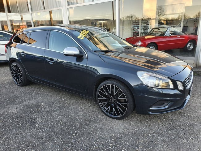 estate Volvo V60 D5 AWD R-Design Geartronic