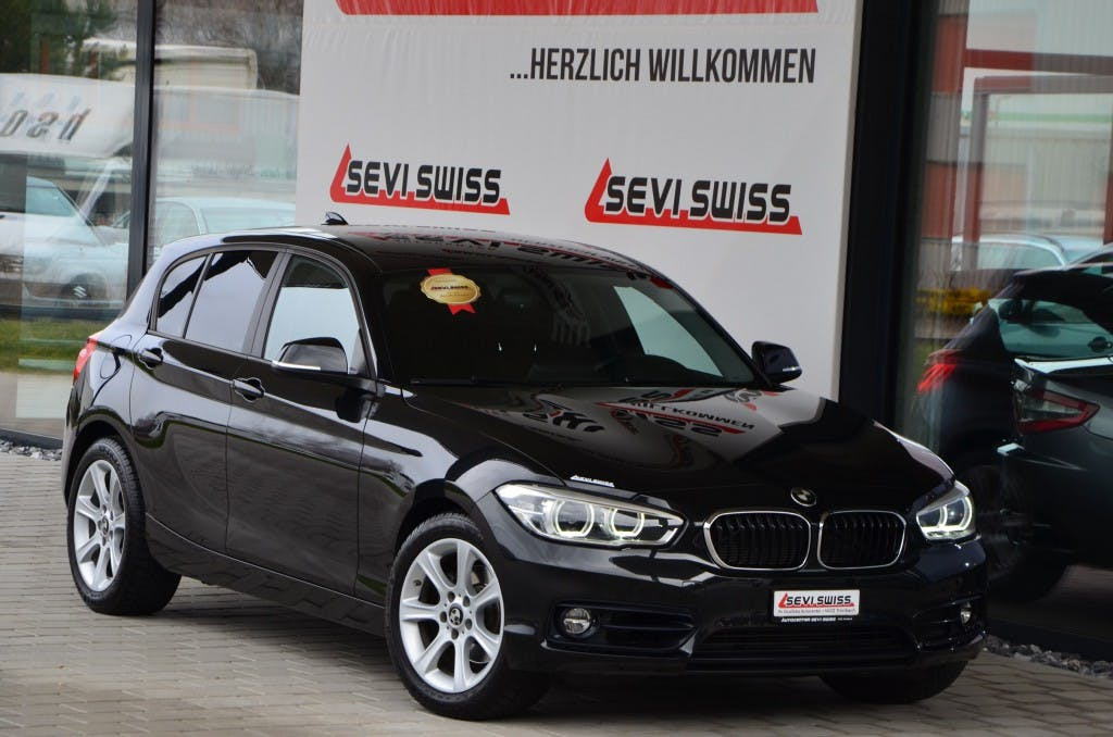 saloon BMW 1er 120d Steptronic