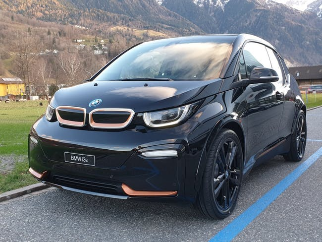 saloon BMW i3 s (120Ah) Edition RoadStyle
