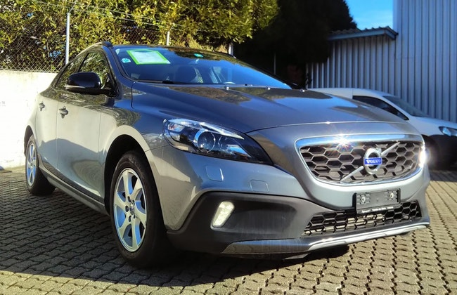 estate Volvo V40 Cross Country D4 Momentum Geartronic