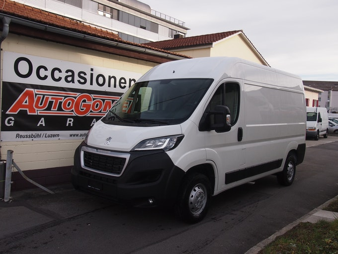 Peugeot Boxer 335 2.2 HDI L2H2 140 PS 15 km CHF25'800 - buy on carforyou.ch - 1