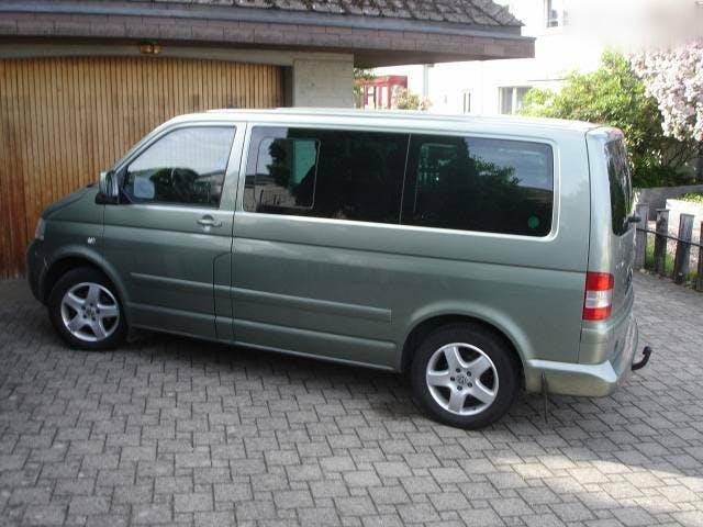 bus VW T5 Gepflegter Multi-Van von Privat