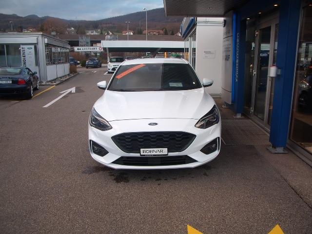 saloon Ford Focus 1.0i EcoB 125 ST-Line