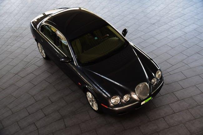 saloon Jaguar S-Type 2.7d V6 Executive