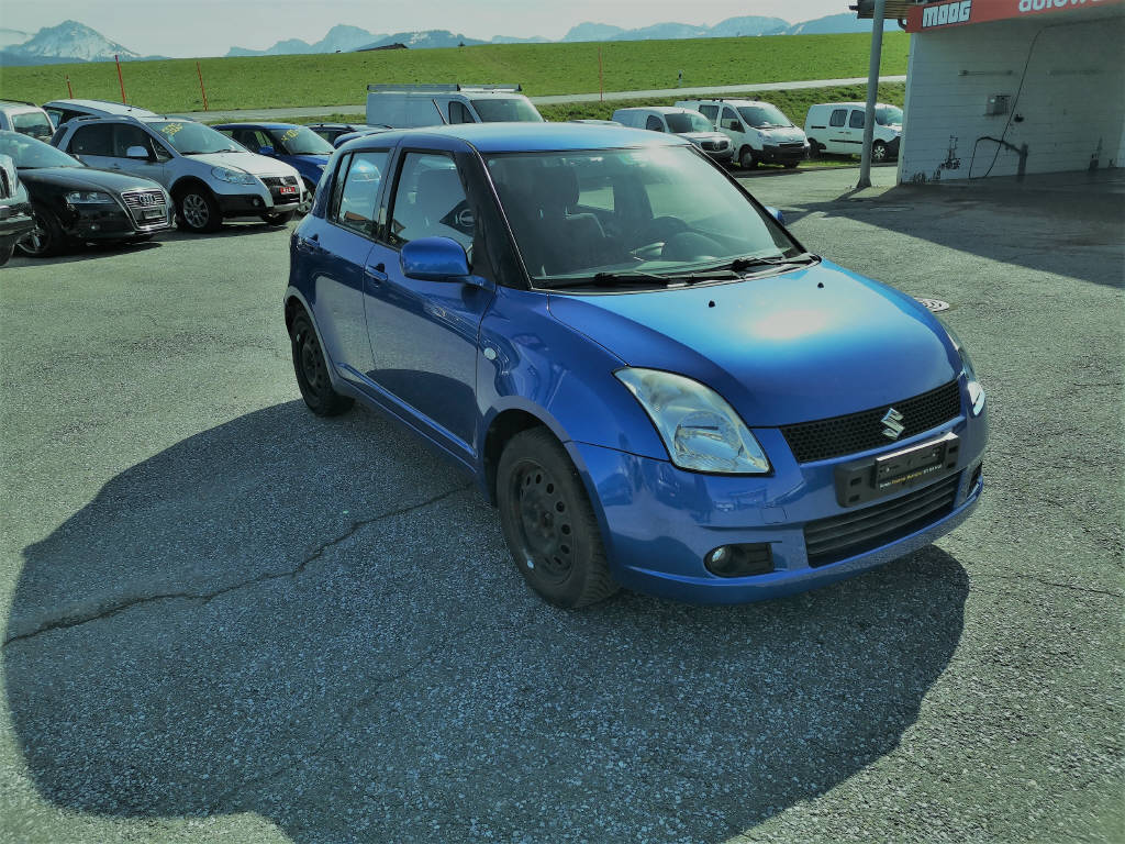 saloon Suzuki Swift 1.3 GL Top 4WD
