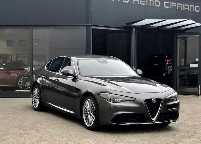 saloon Alfa Romeo Giulia 2.2 JTDM Veloce Q4 Automatic