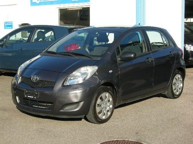 saloon Toyota Yaris 1.0 Linea Terra