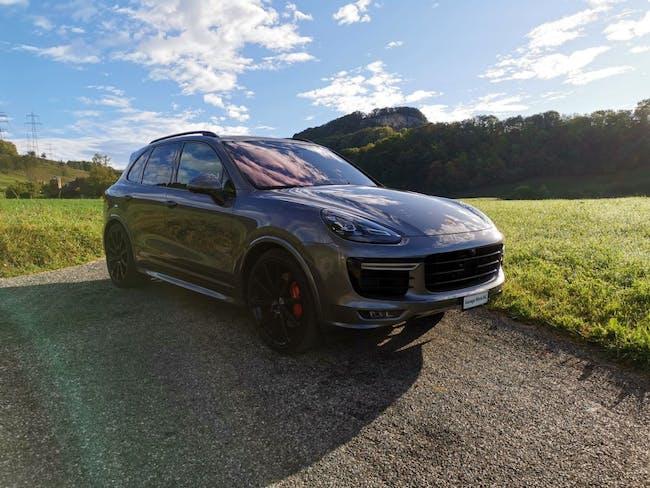 suv Porsche Cayenne GTS