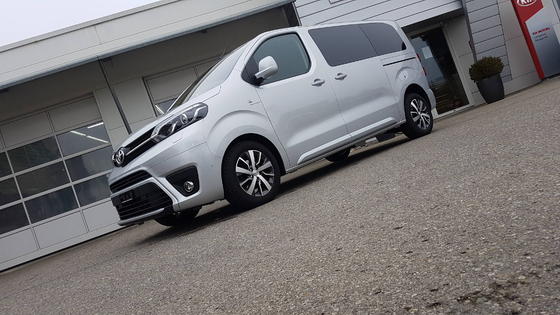 bus Toyota Proace Verso L1 2.0 D Trend