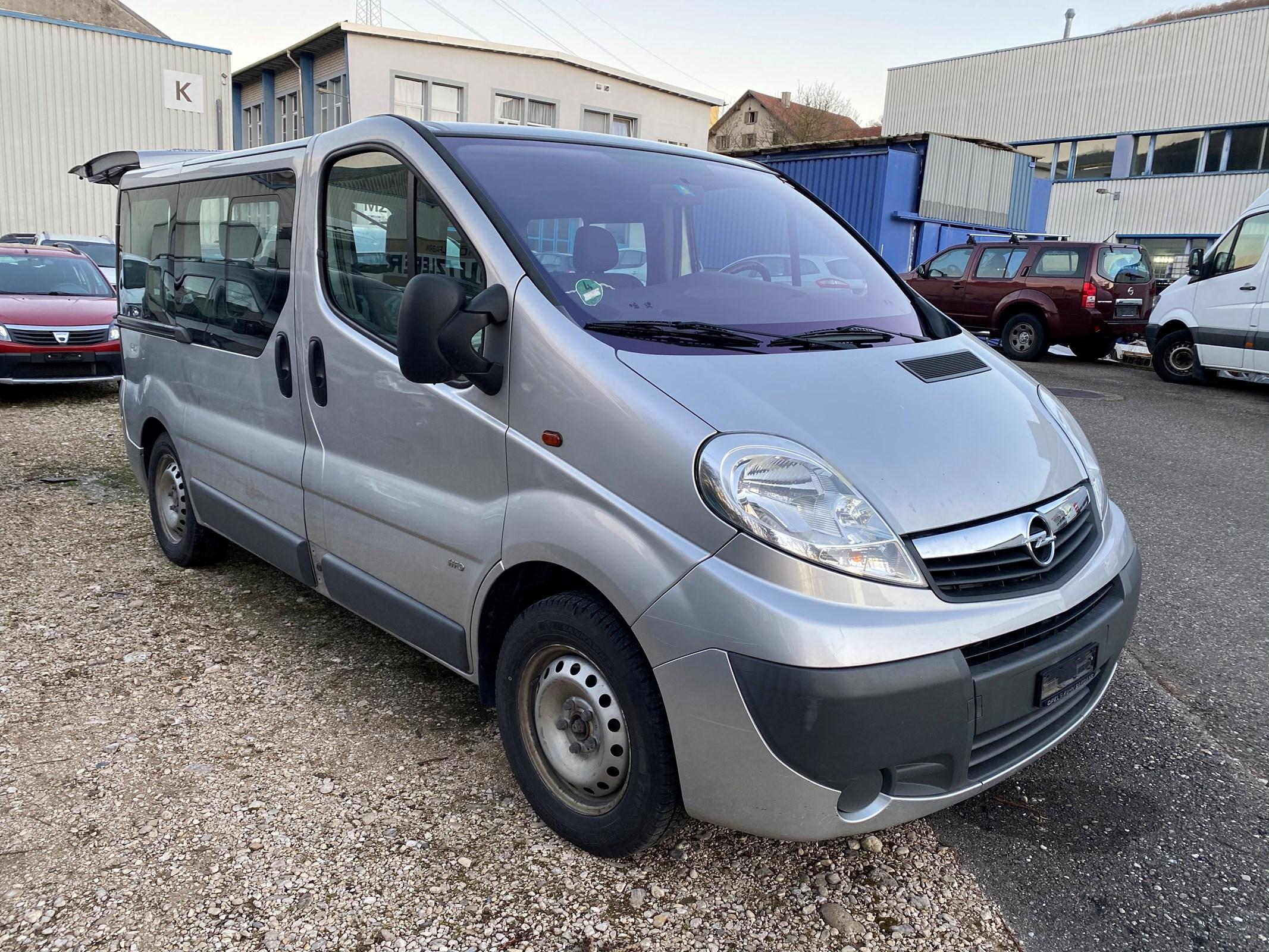 bus Opel Vivaro Tour 2.0 CDTI A 2.7t L1H1