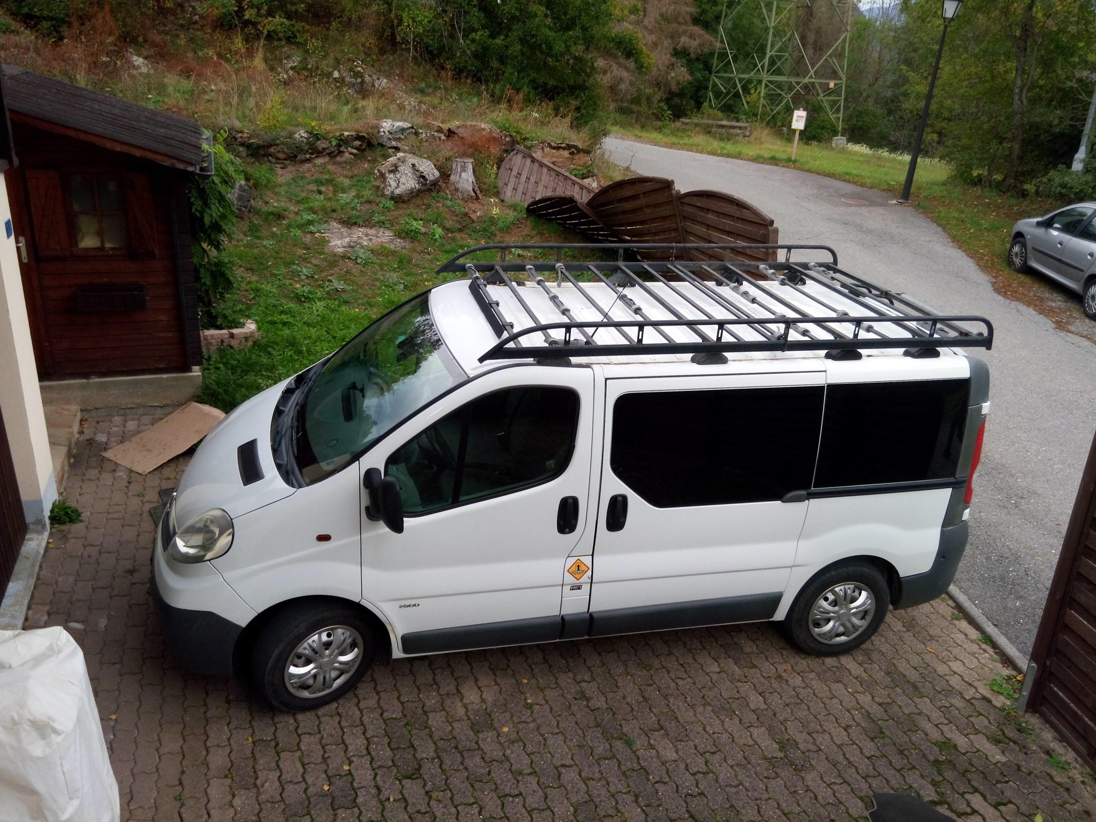 bus Opel Vivaro 2.5 CDTI 2.7t L1H1