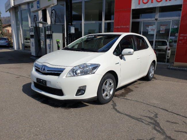 saloon Toyota Auris 1.8 VVT-i HSD Luna