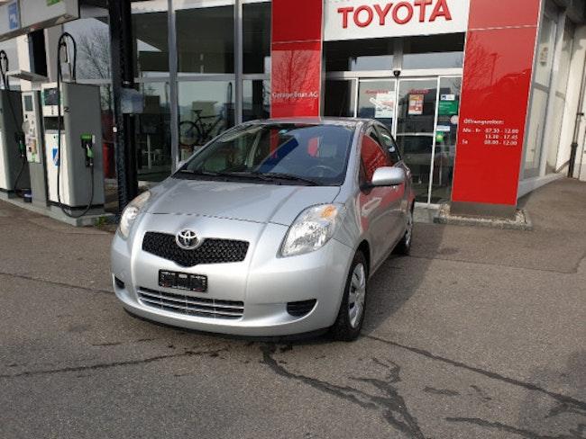 saloon Toyota Yaris 1.3 Linea Luna