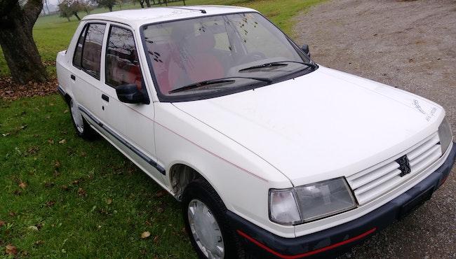 saloon Peugeot 309 1.9 Look
