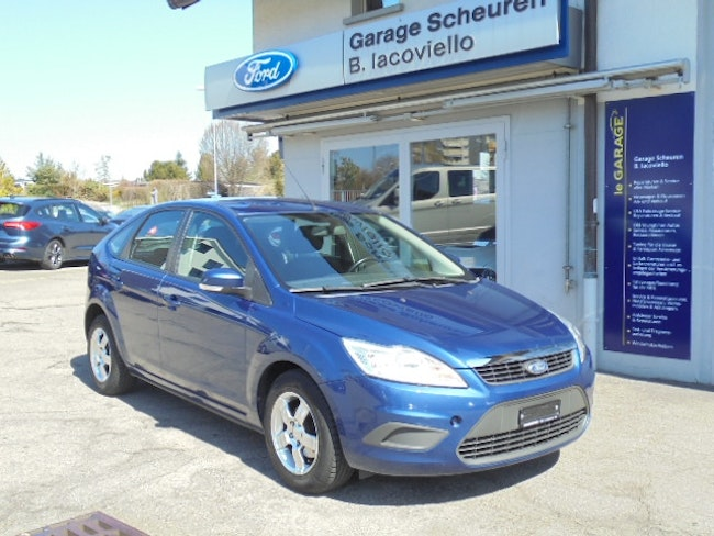 saloon Ford Focus 1.6i 16V Ti-VCT Carving