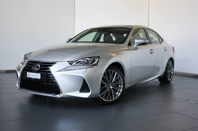 saloon Lexus IS 300h Excellence