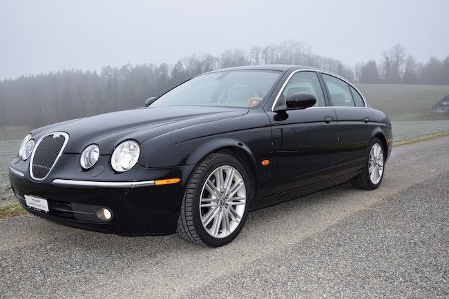 saloon Jaguar S-Type 4.2 V8 Executive