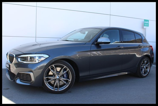 saloon BMW 1er M140i xDrive