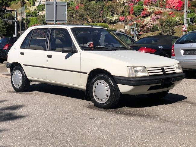 saloon Peugeot 205 1.4 Elégance