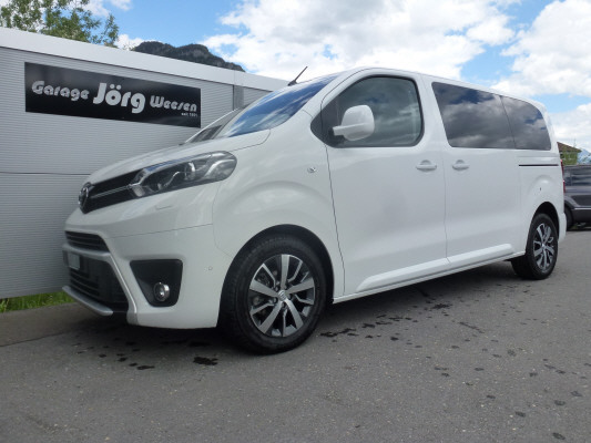 bus Toyota Proace Verso 4x4 TrendMed