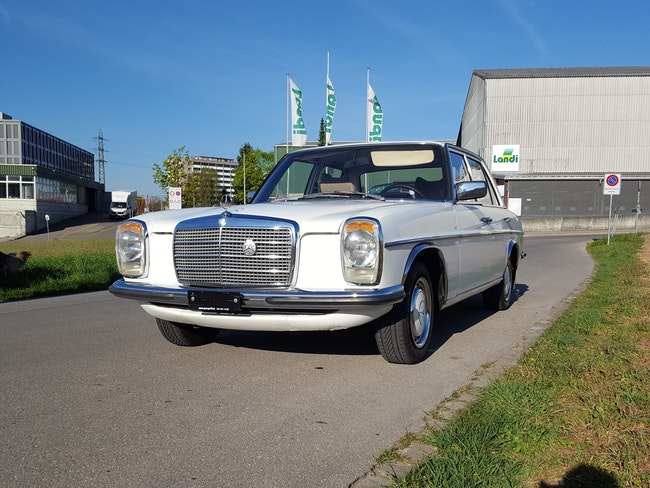 saloon Mercedes-Benz 200 MERCEDES-BENZ 200