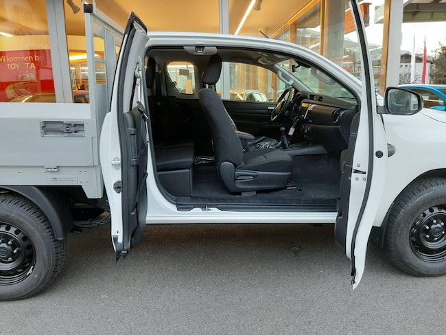 van Toyota Hilux ECab.-Ch. 2.4 D-4D 150 Comfort